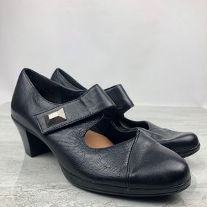 Munro Black Leather Mary Janes